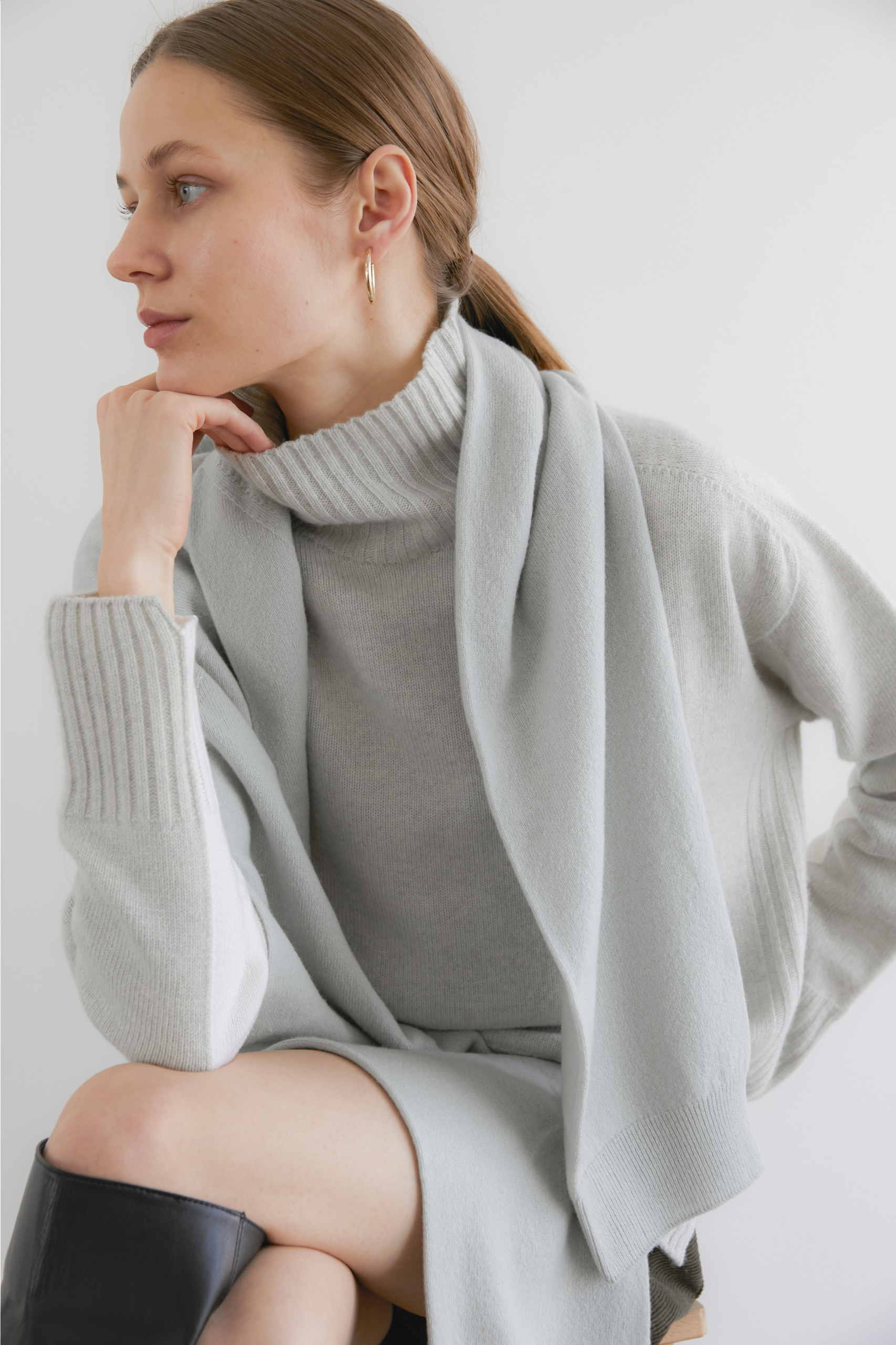 [NAMED collection - 로로피아나] 프리미엄 퓨어 캐시미어100 홀가먼트 컬러블럭 풀오버 [Pure cashmere100 whole-garment knitting turtleneck pullover - Mint melange white]