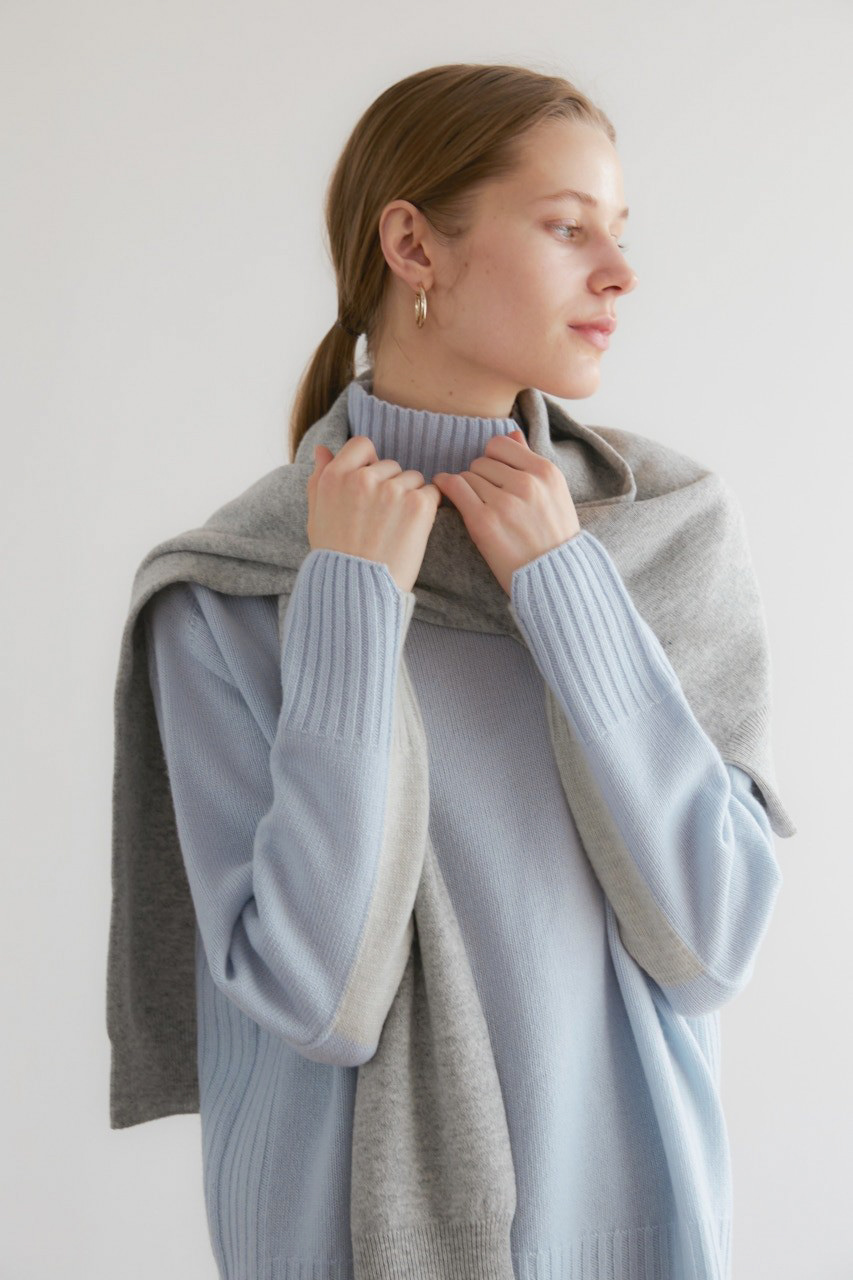 [NAMED collection - 로로피아나] 프리미엄 퓨어 캐시미어100 홀가먼트 컬러블럭 풀오버 [Pure cashmere100 whole-garment knitting turtleneck pullover - Sky blue]